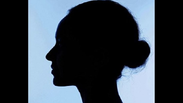 Μητέρα έτρεξε 3χλμ., μαχαίρωσε τους βιαστές της κόρης της και αθωώθηκε