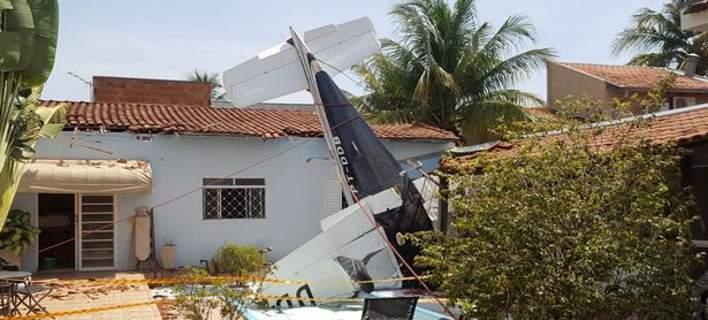 Αεροσκάφος έπεσε σε πισίνα σπιτιού στη Βραζιλία: 3 νεκροί [βίντεο]