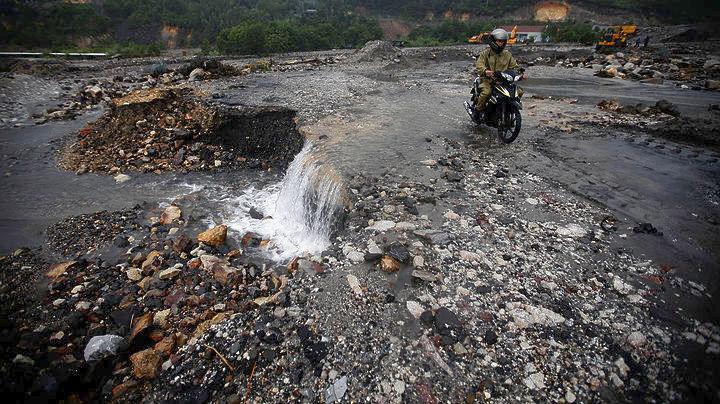 37 νεκροί από πλημμύρες και κατολισθήσεις στο Βιετνάμ