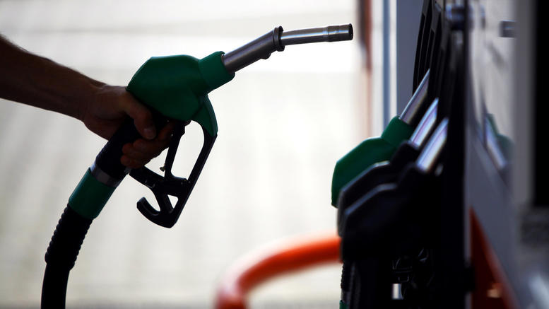 Βγήκαν όπλα μεταξύ οδηγών και πρατηριούχων για τη βενζίνη