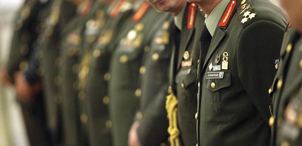 Συντάξεις στρατιωτικών: Ποιοι γλιτώνουν τον «κόφτη» και γιατί