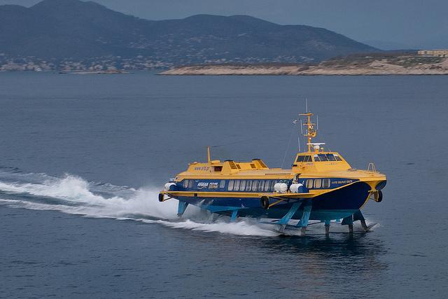 Οι τιμές εισιτηρίων της Aegean Flying Dolphins τους χειμερινούς μήνες