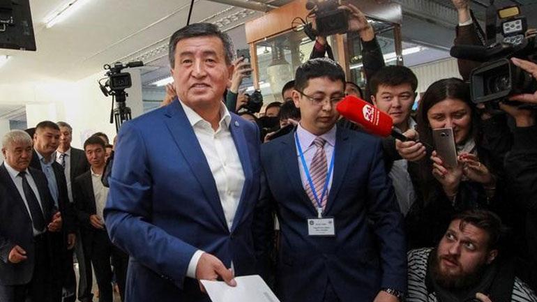 Κιργιστάν: Ο πρώην πρωθυπουργός Τζινμπέκοφ προηγείται στις προεδρικές εκλογές