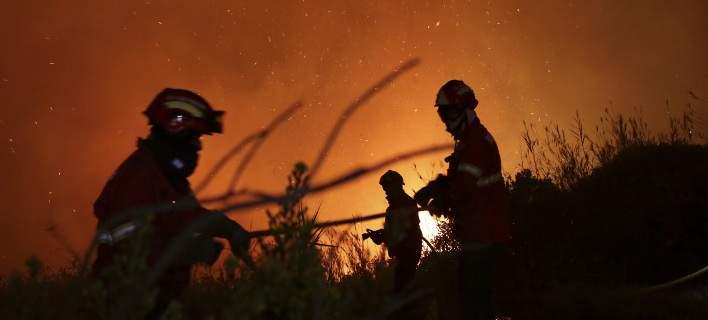 Πύρινη κόλαση στην Πορτογαλία: Ξέσπασαν 440 πυρκαγιές σε 24 ώρες. 3 νεκροί