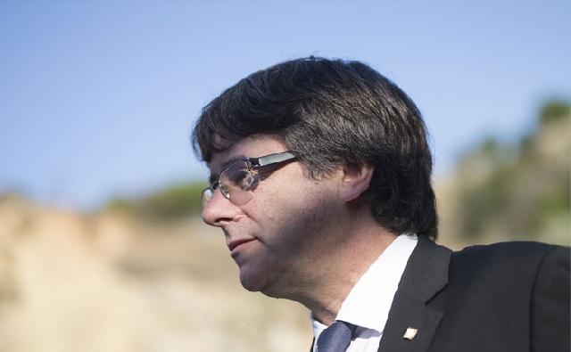 Καταλονία: Περίοδο δύο μηνών για διαπραγματεύσεις ζητεί ο Πουτζντεμόν