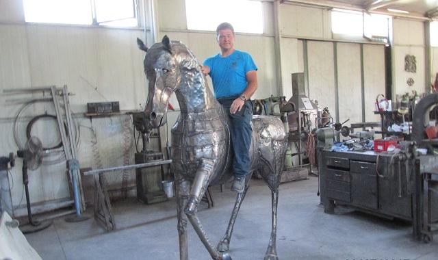 Εργα τέχνης από μέταλλο από τον Βολιώτης Γ. Σκαρίπας [photos]
