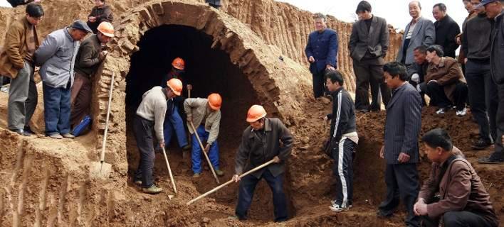 Κίνα: Ανακάλυψαν νεκροταφείο 2.000 ετών με 110 πήλινους τάφους παιδιών