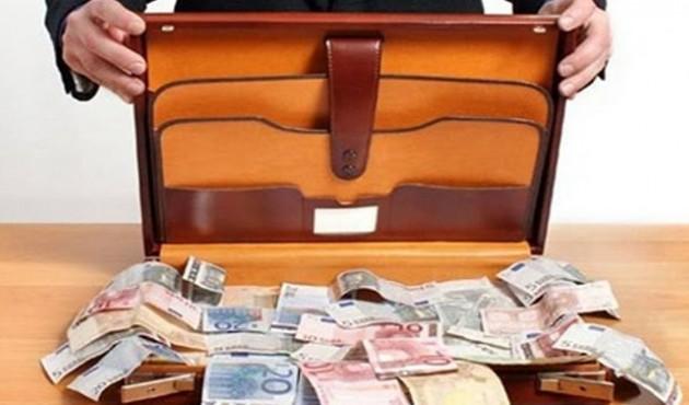Αρπαξε βαλίτσα με 22.000€ λέει ότι δεν θυμάται που έβαλε τα χρήματα