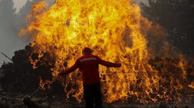 Πορτογαλία: Παραιτήθηκε η υπ. Εσωτερικών μετά τις φονικές πυρκαγιές