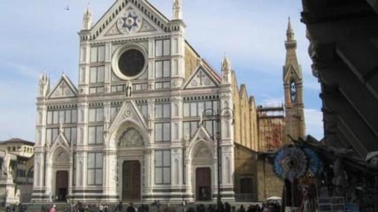 Πέτρα από τον...ουρανό σκότωσε ισπανό τουρίστα σε εκκλησία