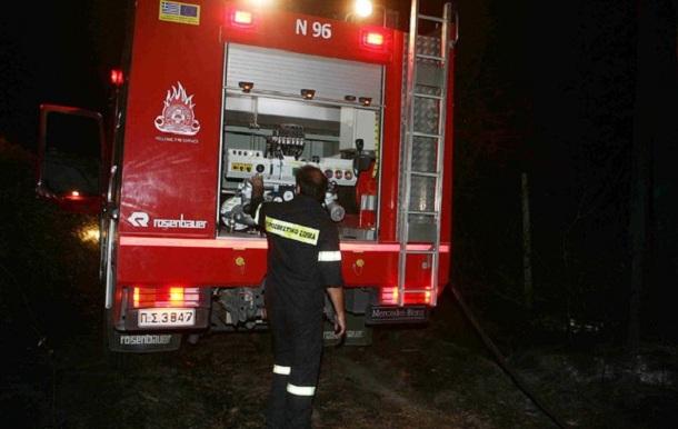Βαγόνι καταστράφηκε από φωτιά στο Σταθμό Λάρισας