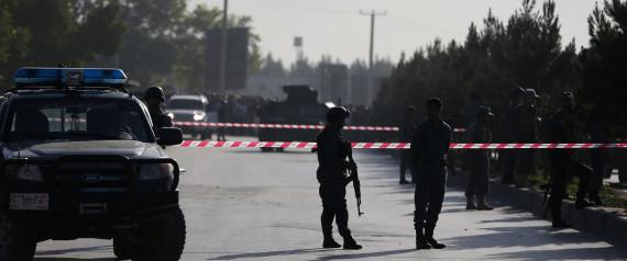 Βομβιστής αυτοκτονίας ανατινάχθηκε μέσα σε σιιτικό τέμενος στο Αφγανιστάν. Δεκάδες νεκροί