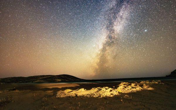 Η μαγεία του έναστρου ουρανού μέσα από το φακό του Γ. Καραμποτάκη