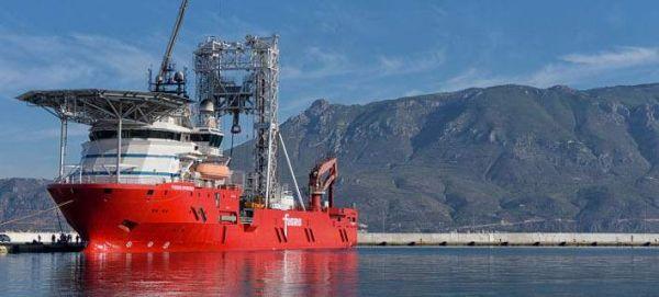 Κάνουν έρευνες στον Κορινθιακό με πλοίο γεωτρύπανο