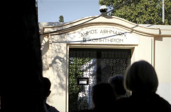 Η κατάθεση του πατέρα «κλειδί» για την εξιχνίαση του φόνου της 32χρονης εφοριακού στο Β' Νεκροταφείο