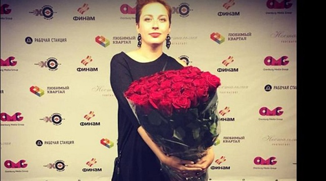 Το θαρραλέο μήνυμα της Ρωσίδας δημοσιογράφου που μαχαιρώθηκε από ψυχοπαθή