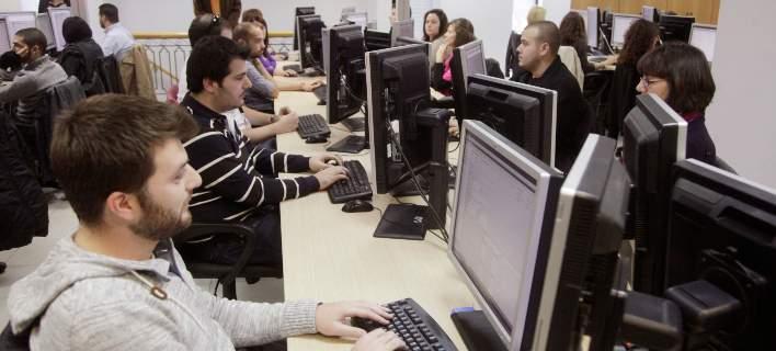 Αρχίζουν οι αιτήσεις για την επιδότηση μετατροπής συμβάσεων με «μπλοκάκι» σε μισθωτή εργασία