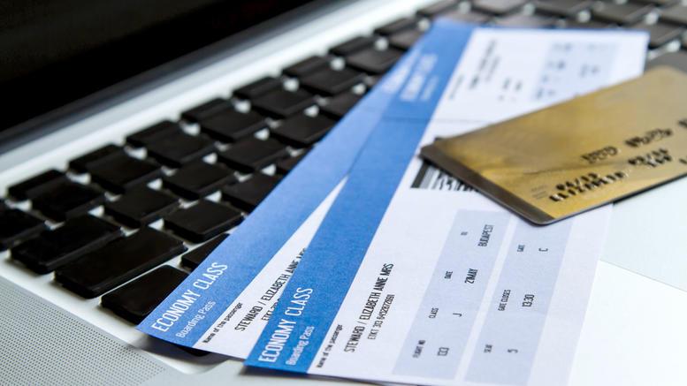 Σπείρα έκανε απάτες με αεροπορικά εισιτήρια μέσω Ιντερνετ