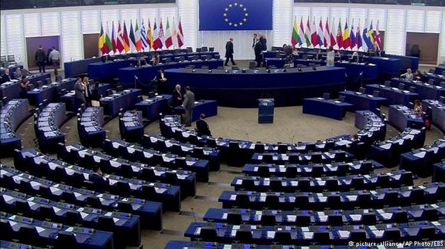 «Κλειδί» η ευρωπαϊκή πολιτική στη νέα κυβέρνηση Μέρκελ