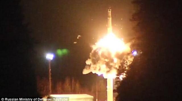 Η Ρωσία δοκίμασε επιτυχώς τον πυρηνικό «Σατανά» της [βίντεο]