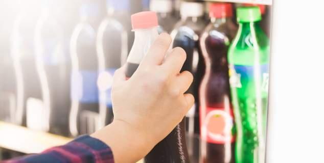 Γαλλία: Εβαλαν φόρο στα αναψυκτικά για να καταπολεμήσουν την παχυσαρκία