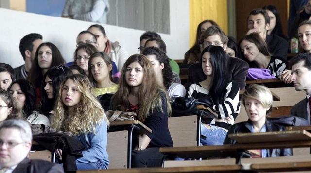 Την άρση της αναστολής διανομής συγγραμμάτων στους φοιτητές αποφάσισαν οι εκδότες