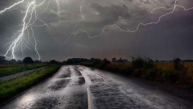 Τσεχία: Τουλάχιστον πέντε άνθρωποι έχασαν τη ζωή τους από καταιγίδα