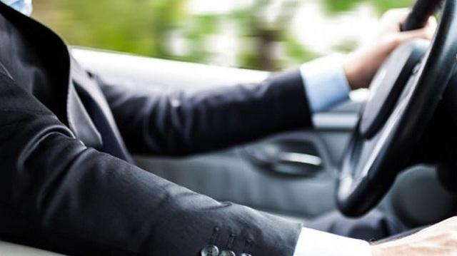 Χωρίς καθυστερήσεις η διαδικασία ανανέωσης αδειών οδήγησης για τους πολίτες άνω των 80