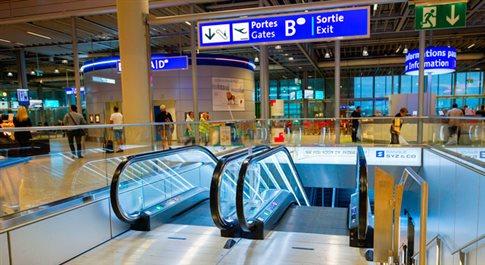 Επτάχρονη «τίναξε στον αέρα» τα μέτρα ασφαλείας στο αεροδρόμιο της Γενεύης