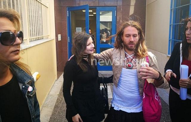 Πρώτη δίκη για κατάργηση φύλου για τον Ιάσωνα –Αντιγόνη [εικόνες-βίντεο]