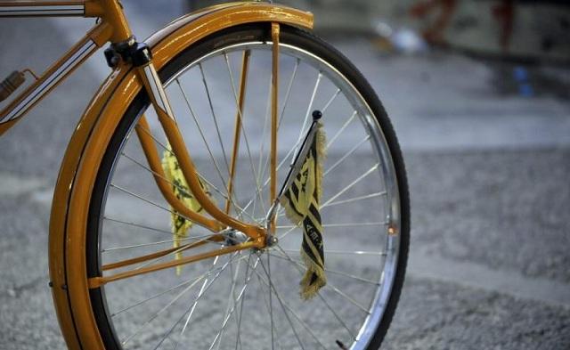 Το παρκάρισμα ποδηλάτου που σαρώνει τα social media [εικόνα]