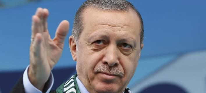 Ο Ερντογάν «νομιμοποιεί» την κακοποίηση ανηλίκων, με νομοσχέδιο για τους γάμους