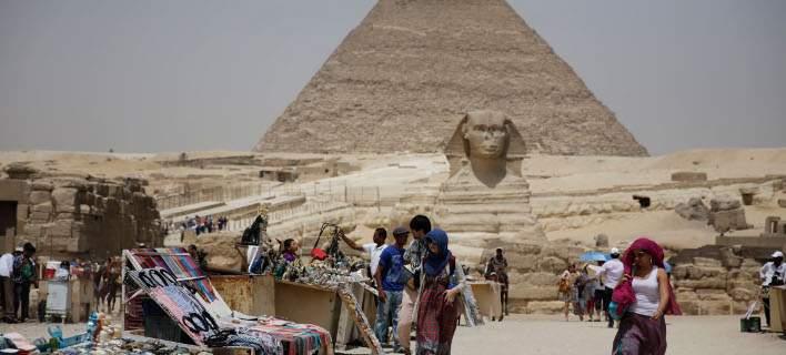 Βρετανίδα τουρίστρια «σαπίζει» σε αιγυπτιακή φυλακή επειδή μετέφερε παυσίπονα στη βαλίτσα της