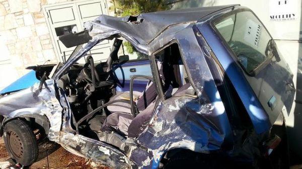 Λεωφορείο των ΚΤΕΛ διέλυσε ΙΧ - Νεκρός ο οδηγός του οχήματος