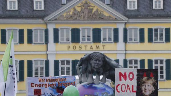 ΟΗΕ: Αρχίζει στη Βόννη η Διάσκεψη για το Κλίμα - Μεγάλες διαδηλώσεις