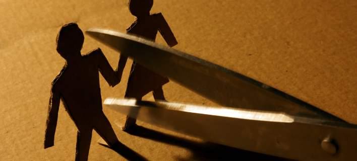 Αυξήθηκαν 20% τα διαζύγια, τα ζευγάρια χωρίζουν για να γλιτώσουν φόρους, κατασχέσεις, πλειστηριασμούς