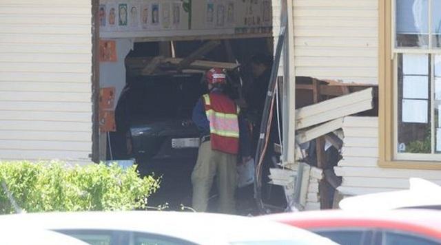 Αυτοκίνητο «μπούκαρε» σε τάξη και σκότωσε δύο οκτάχρονους μαθητές