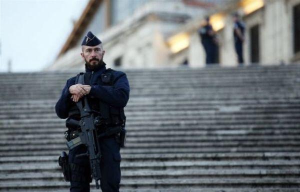 Γαλλία: 10 συλλήψεις σε επιχείρηση της αντιτρομοκρατικής