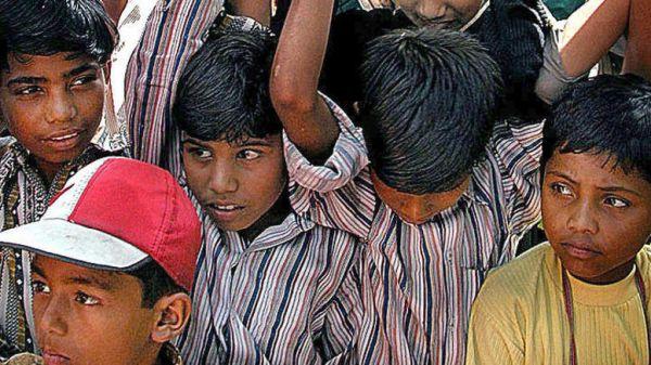 Δεκαεξάχρονος έκοψε τον λαιμό 7χρονου για να αναβληθούν οι εξετάσεις