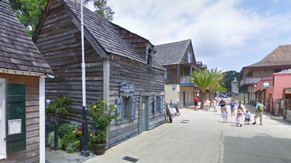 Κι όμως, Ελληνας δημιούργησε το πρώτο ξύλινο σπίτι - σχολείο των ΗΠΑ