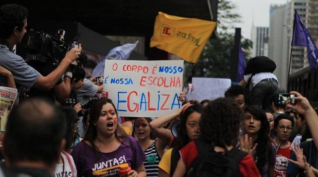 Βραζιλία: Χιλιάδες διαδηλωτές κατά της λιτότητας και του Τεμέρ στο Σάο Πάολο