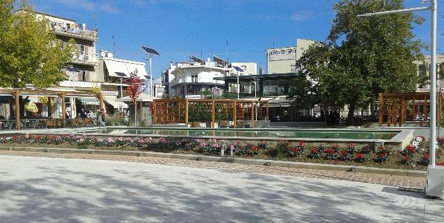 Λουλούδιασε με κυκλάμινα η πλατεία του Αλμυρού