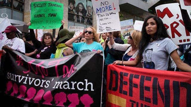 Διαμαρτυρία μελών του κινήματος #MeToo στο Λος Άντζελες κατά της σεξουαλικής παρενόχλησης