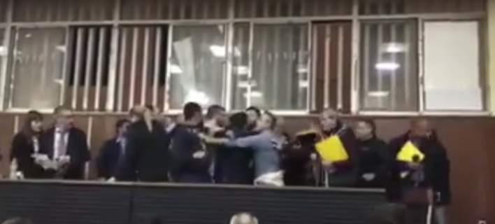 Συνδικαλιστές πιάστηκαν στα χέρια στο Εργατικό Κέντρο Πάτρας [εικόνα-βίντεο]