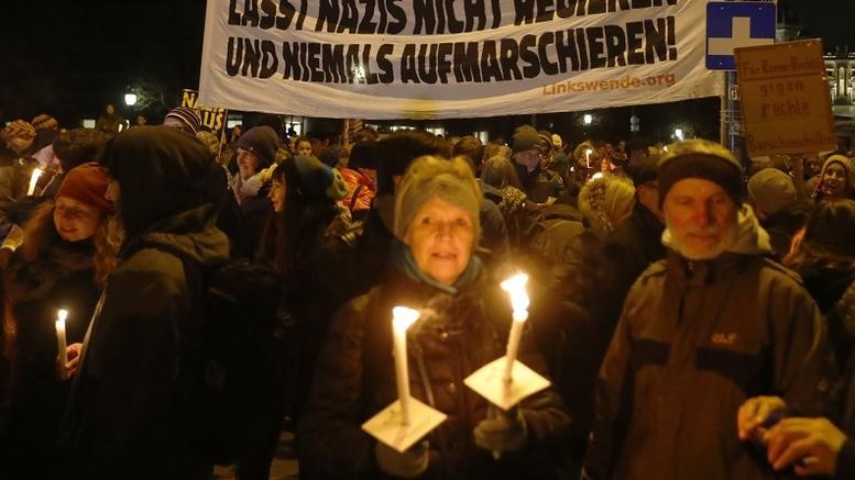 Χιλιάδες στους δρόμους κατά της άκρας δεξιάς στην Αυστρία [εικόνες]