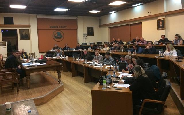 Κατά πλειοψηφία τα μειωμένα τέλη του 2018 στον Δήμο Βόλου