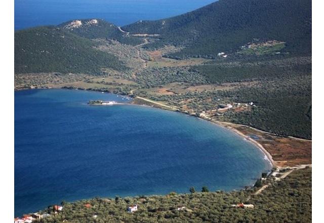 «Επίθεση» στον βουλευτή Χρ. Μπουκώρο από τους αντιδρώντες στην επένδυση στις Νηές