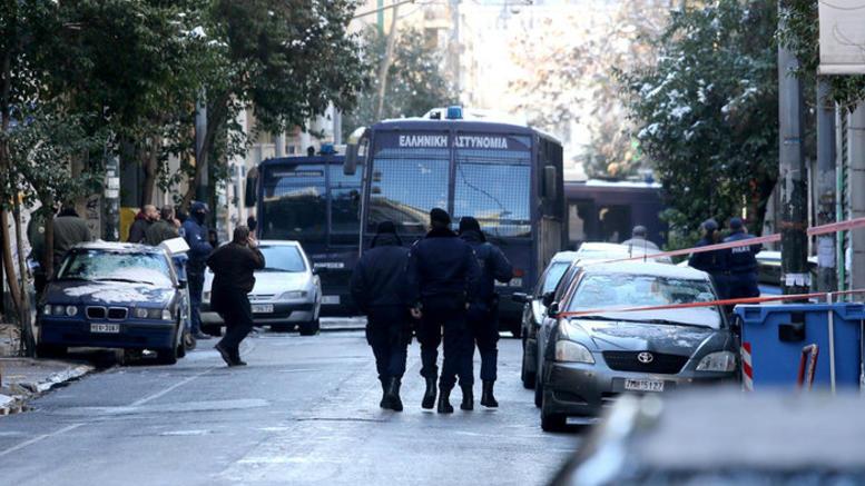 Ανάληψη ευθύνης για την επίθεση στα ΜΑΤ στα γραφεία του ΠΑΣΟΚ