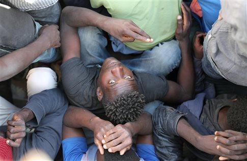 Σοκ από το ντοκιμαντέρ του CNN για πώληση μεταναστών ως σκλάβων στη Λιβύη