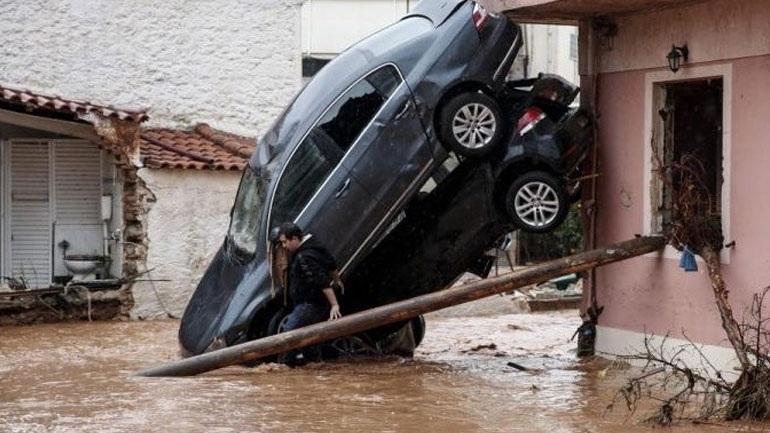 Στις 1.154 οι αυτοψίες σε Μάνδρα και Νέα Πέραμο από τους μηχανικούς του υπουργείου Υποδομών